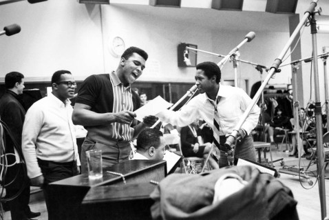 Cassius Clay in the studio recording I Am the Greatest! with Sam Cooke, Image from newblackman.blogspot, courtesy of Michael Ochs Archives/Getty Images