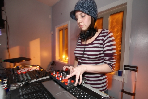 Jenn Lush (Home Bass), FORWARD Winter Session 2012, Image by JHG Photography (c)