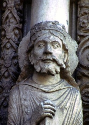 Old Testament figure from the Chartres Cathedral featured in Welles' F for Fake.