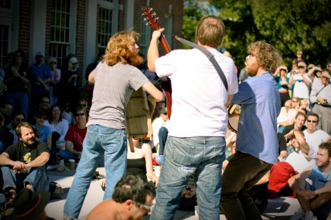 Megafaun serenades a Chapel Hill, North Carolina crowd, Image by Flickr user  abbyladybug