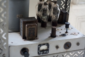 """""""Rádio que Che transmitia programas revolucionários enquanto estava entocado na montanha"""" by Flickr user Marco Gomes, CC BY-NC-SA 2.0"""