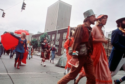 """Bumbershoot procession, 1974"" by Flickr user Seattle Municipal Archives, CC BY 2.0"