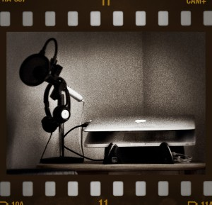 """Podcast in Retro"" by Flickr user David Shortle, CC BY-NC 2.0"