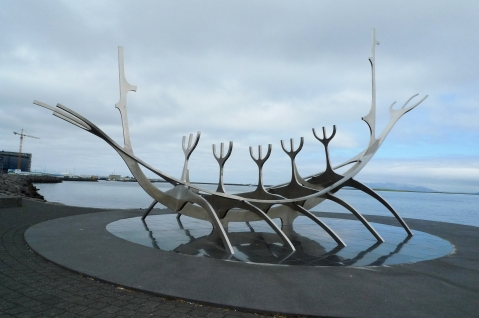 Sculpture on the shore of Reykjavik. Image by Ainhoa Sánchez Sierra @Flickr CC-BY-NC-SA.