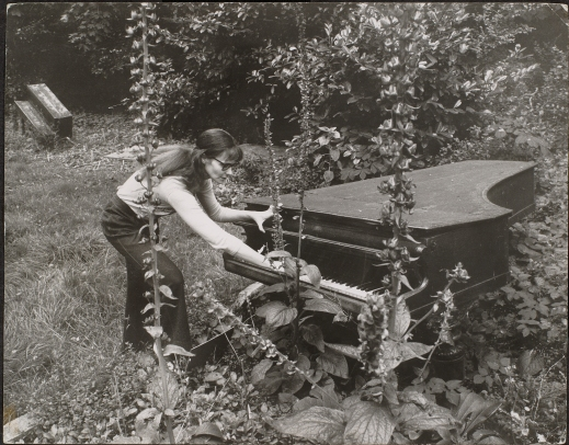 Annea Lockwood - Piano Garden [1969-70] photo by Chris Ware